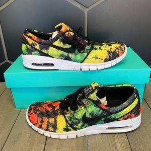 ae0aa308 Men Nike Tie Dye Shoes on Poshmark
